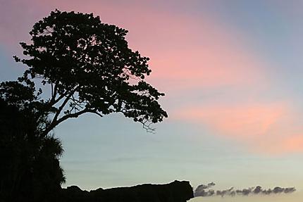 Crépuscule sur Ko Bulon