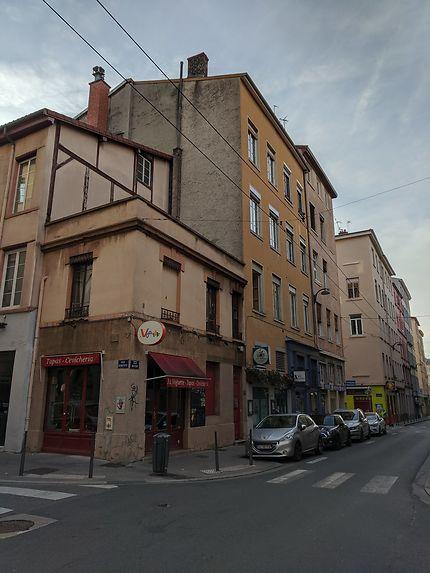 Rue commerçante à Lyon