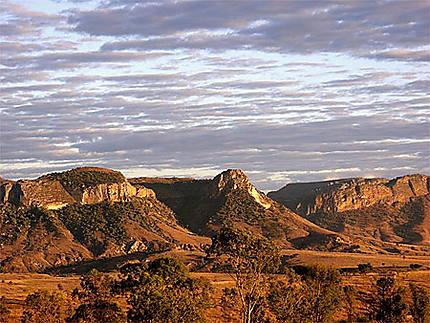 Lever de soleil sur le massif de l'Isalo