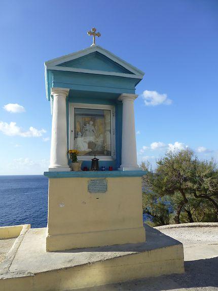 Dévotion à Blue Grotto, dans le Sud de Malte