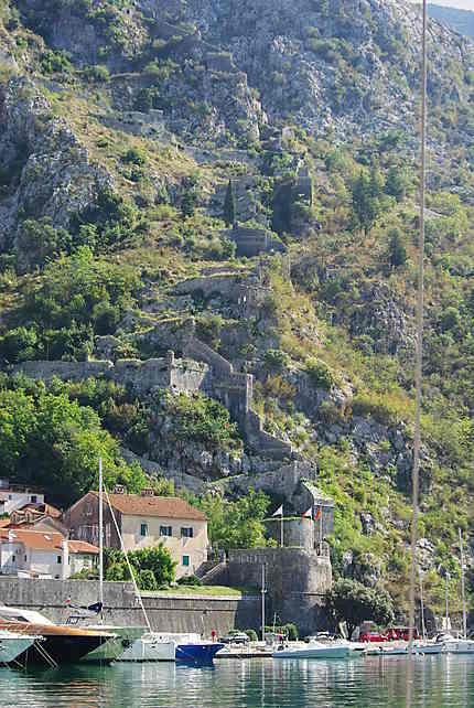 Montée vers le château