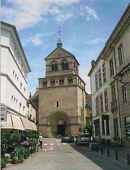 Devanture de la Basilique Saint-Maurice