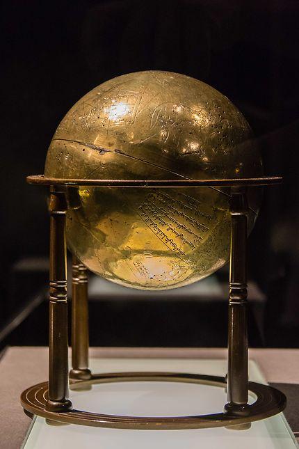 Le Louvre, globe céleste