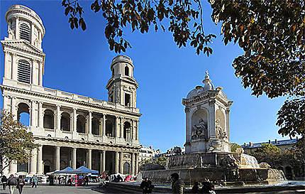 Place st Sulpice à Paris : l'église et la fontaine