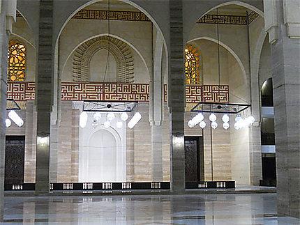 Intérieur de la mosquée Al Fateh