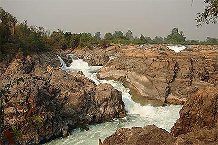 Les chutes de Li Phi
