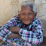 Une grand-mère en Birmanie