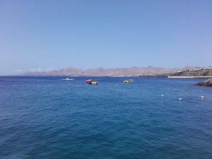 Vue depuis Puerto del Carmen, Lanzarote