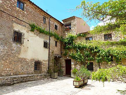 Anciennes maisons en pierre à Medinaceli