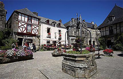Place du puits, Rochefort-en-Terre