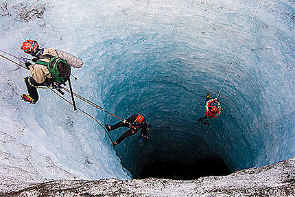 Un puits de glace en Islande