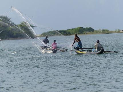 Pêcheurs au filet à Batticaloa