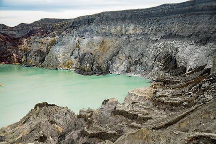 Kawah Ijen - contrastes au cœur du cratère