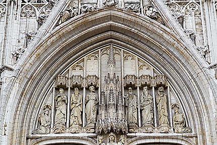 Bruxelles - Cathédrale St Michel et Ste Gudule - Fronton