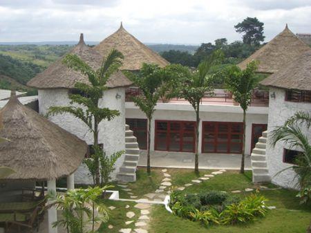 Villa kamanda abidjan abidjan et lagune c te d for Abidjan location maison