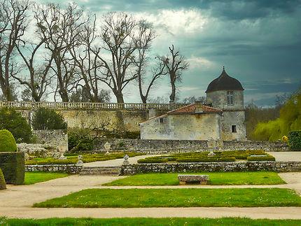Jardins et partie arrière du château