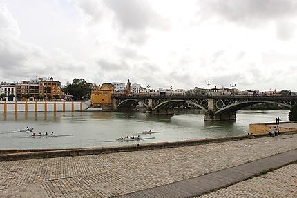 District de Triana et le fleuve Guadalquivir