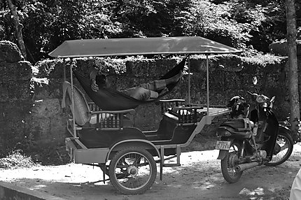 Attente à Angkor