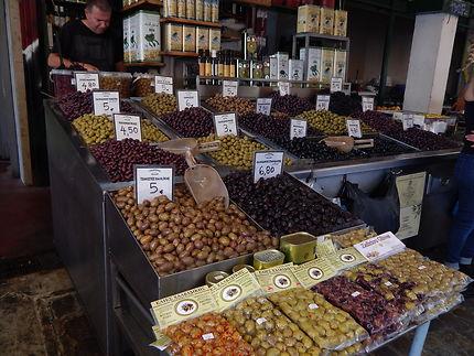 Olives au marché de Modiano