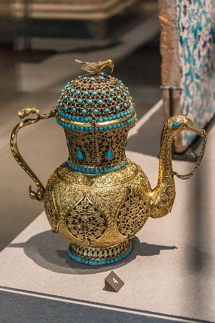 Le Louvre, aiguière ornée de turquoise