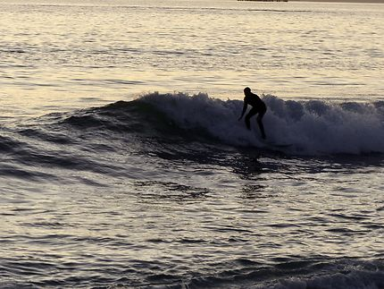 Surfeur à Sunset beach