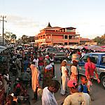 Le marché frénétique d'Ambilobe