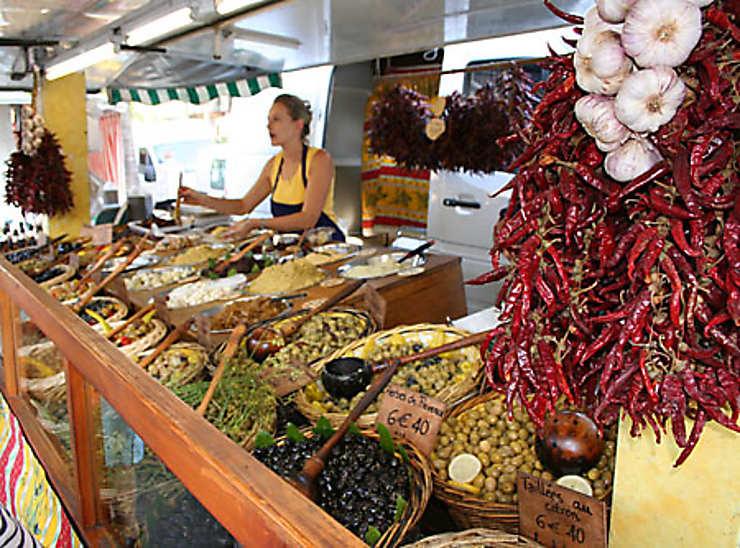Les marchés d'Arles et de Saint-Rémy-de-Provence
