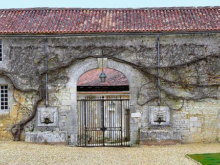 Dépendance du château de La Roche Courbon