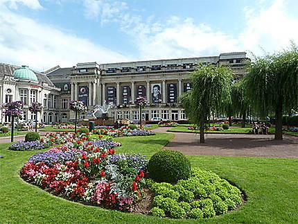Casino et Parc fleuri