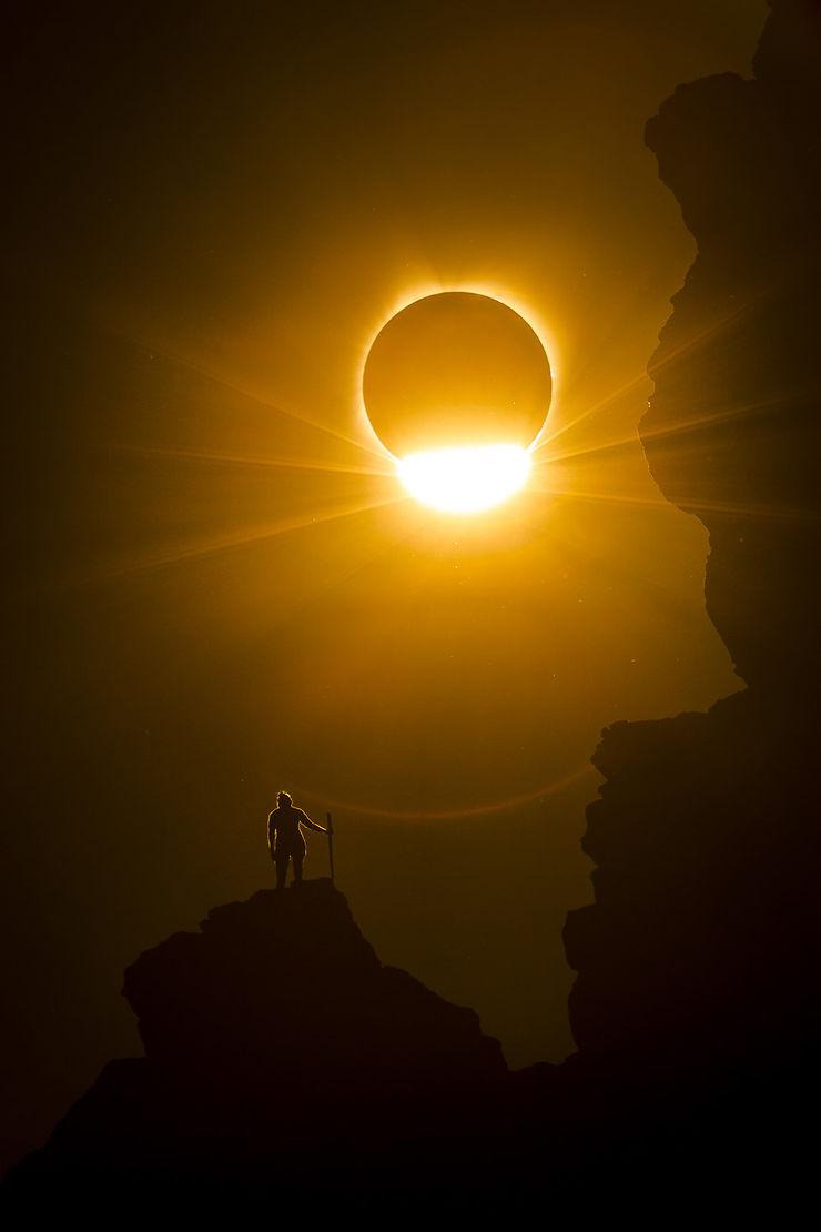 Eclipse, Smith Rock National Park, Oregon, USA