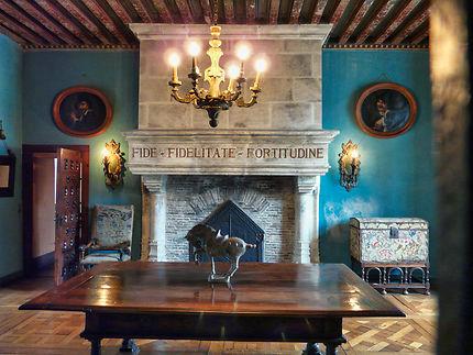 Une des salles à manger château La Roche Courbon