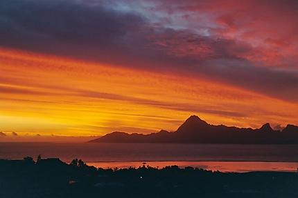 Magnifiques couleurs du ciel au coucher de soleil