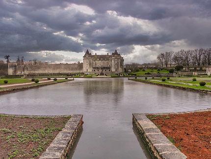 Château de La Roche Courbon vu de l'arrière