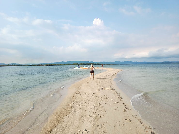 Balugbog baboy sandbar, Philippines