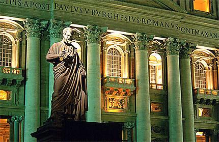 St-Pierre devant la Basilique