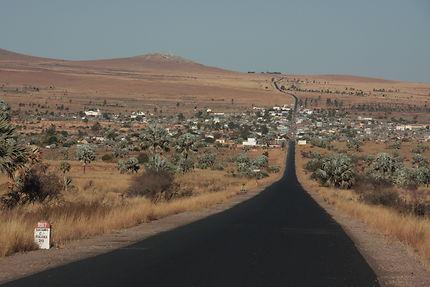 Sur la route à Sakaraha, Madagascar