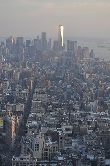 VUE DEPUIS ESB AVEC WTC TEL UN PHARE