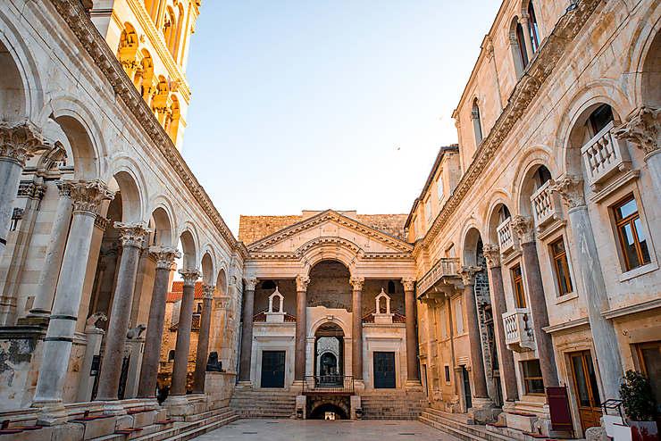 La ville dans le palais