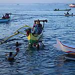 L'arrivée des bateaux de pêche au port