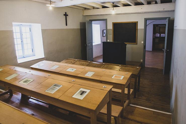 Abbaye de Sorèze : l'école des membres de sa famille