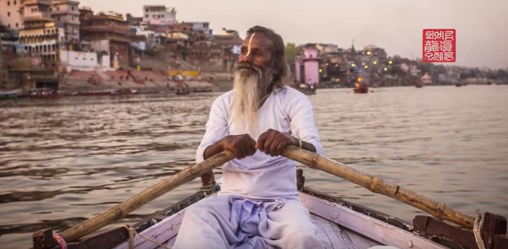 Delhi, Vrindavan (festival d'Holi), Mathura, Agra, Varanasi, Delhi, Mumbai en vidéo
