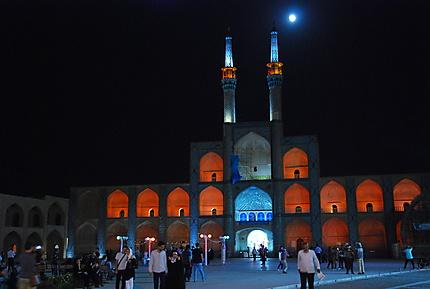 Le pishtaq sous une lune pleine