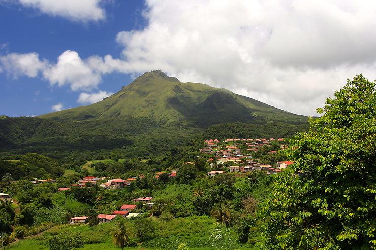 Grand'Rivière et la montagne Pelée (Martinique)
