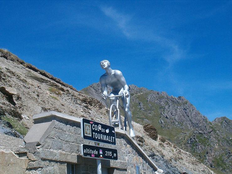 Evénement - Les plus beaux cols des Pyrénées réservés au vélo cet été !