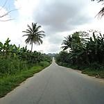 La route vers le village Ahoutoue