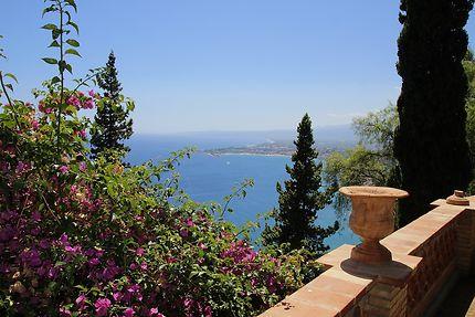 Vue mer Villa Comunale Di Taormina