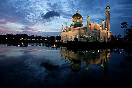 Mosquée Omar Ali Saifuddien à Brunei