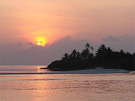 Coucher de soleil aux Maldives