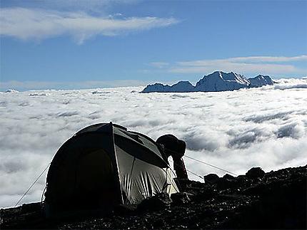 Bivouac à 4750 m