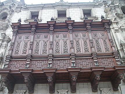 Lima : balcon style moucharabieh